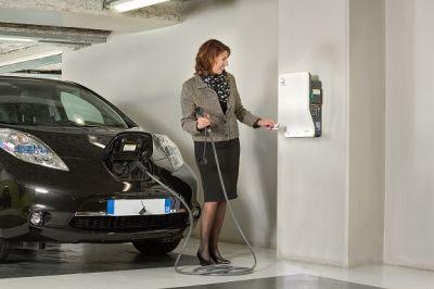EVlink-Produktreihe und Reiheneinbaugeräte von Schneider Electric bieten bestmöglichen Schutz