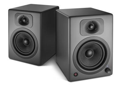 Wavemasters TWO NEO wird ab sofort in zwei neuen Farbvarianten erhältlich sein, Soft White und Stone Gray.