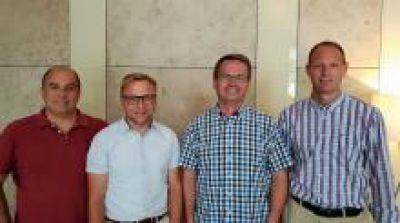 Die OpenTelematics Gründer Hans-Jörg Nolden, Thomas Gräbner, Jens Uwe Tonne und Daniel Thommen. Bild: YellowFox GmbH