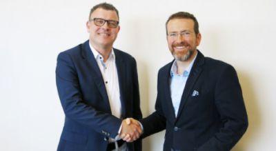 Partnerschaftliche Zusammenarbeit in der Baubranche beschlossen: v.l.: Daniel Csillag, Geschäftsführer der Nevaris Bausoftware Gmb