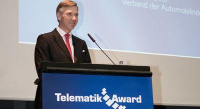 VDA-Geschäftsführer Dr. Kay Lindemann bei seiner Begrüßungsrede zur Verleihung des Telematik Awards 2014. Bild: Telematik-Markt.de