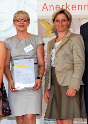 Bild: Frederike Bühring (Geschäftsführerin der Wolf Spedition Sinsheim) und MdL Dr. Nicole Hoffmeister-Kraut (Wirtschaftsministeri