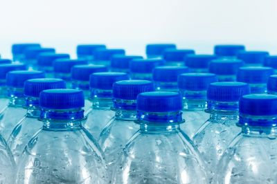Mehrwegflaschen (Quelle: Pixabay)