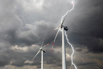 DEHN schützt komplette Windenergieanlagen ebenso wie Einzelkomponenten sicher bei Blitz und Überspannung