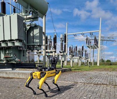 Digitalisierung am Stromnetz: Der Roboter im Umspannwerk von E.DIS erhöht die Arbeitssicherheit.