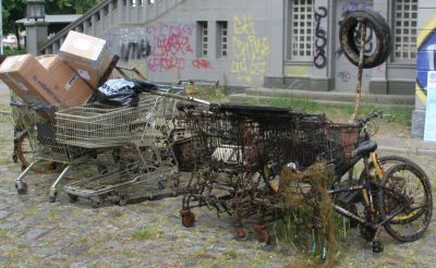 geborgener Abfallberg aus dem Tegler See