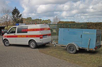 Engagement von E.DIS: Als verlässlicher Partner hat der Netzbetreiber ein Notstromgerät übergeben.