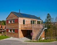 Ein Klimaschutz-Haus mit 40 Tonnen CO2-Guthaben und nachhaltiger Bio-Dämmung, welche nach Nutzung der Natur zurückgegeben wird