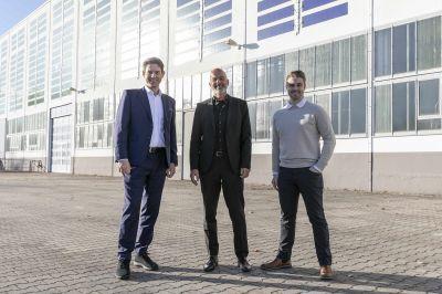 Offizielle Eröffnung erfolgte am 13. Oktober im Beisein der Projektförderer und beteiligten Firmen GREEN, Heliatek und ADLER.