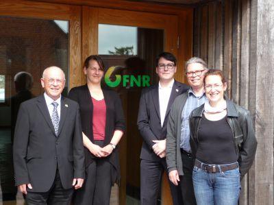 BPH-Geschäftsführer Heinz Blumenstein, Caroline Brauer (FNR), Florian Boenigk (BPH), Andreas Brückner und Birgit Herrmann (FNR)