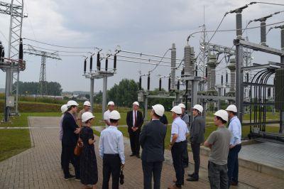 Energieminister Pegel bei der Inbetriebnahme des neuen Umspannwerkes für die Energiewende bei E.DIS.