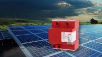 Mit DEHNcombo YPV -schützen Sie die DC-Seite des Wechselrichters, die Combiner Box oder die PV-Module