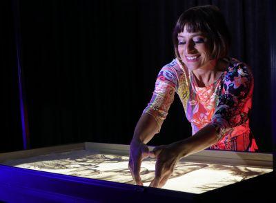 Top Showact der Veranstaltung war Sandmalerei Show von Sabrina