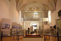Ein Blick in den Ausstellungsraum - Kunstraum Klosterkirche Traunstein