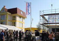 Tag der offenen Tür: Hanlo lädt Kunden und Interessierte in die Erlebniswelt Fertighaus Freiwalde ein. (Foto: HANLO Haus)