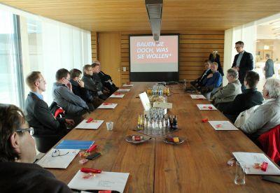 Begrüßte die Teilnehmer der zweitägigen Architektenreise: Brüninghoff-Geschäftsführer Frank Steffens. Foto: Brüninghoff