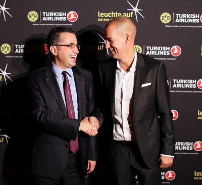 Fatih Cigal, Turkish Airlines Vice President Marketing und Carsten Cramer, BVB-Marketingdirekor