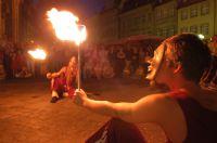 Feuershows verzaubern nach Sonnenuntergang das Welterbe Bamberg