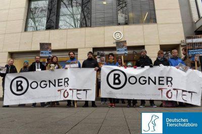 Am 12.12.2015: Anti-Pelzaktion vor Kölner Bogner-Filiale