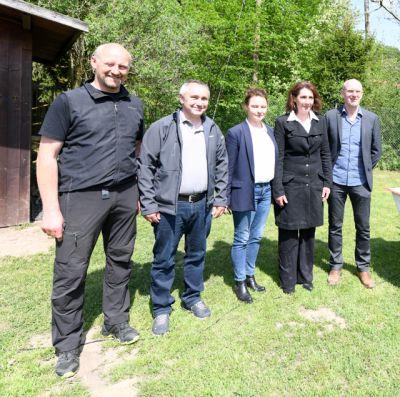 Förderprojekt:Gnadenhöfe. Von li. K.Schuhmacher,U.Schmidt, Dr. J.Stubenbord, Chr.Rohn, H.Arnd.(c)www.der-gnadenhof.de