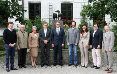 Das Team (v. l.): H. Bader, Kastulus und Elfriede Bader, C. Steer, A. Mareis, C. Jacobs, K. Ertlmaier, T. Bader, P. Simmerbauer.