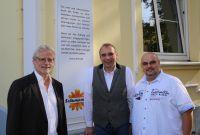 Bürgermeister Dieter Freytag, Schumaneck-Mitbegründer Bernhard Schumacher, Hausleiter Marco Salvatore Scaringi