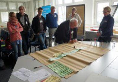 IHK-Praxisworkshop: An unterschiedlichen Thementischen wurden Ideen und Lösungen entwickelt. (Foto: Brüninghoff)
