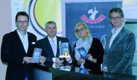 vlnr. Mag. Albin Brunner (Geschäftsführer), Dir. Dr. Adolf Lackner (HLW-Spittal),  Madeleine Müller (Fachvorstand HLW-Spittal) und
