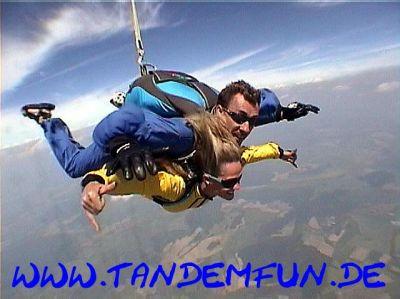 Fallschirmspringen Geschenk Gutschein Tandemsprung Fallschirmsprung