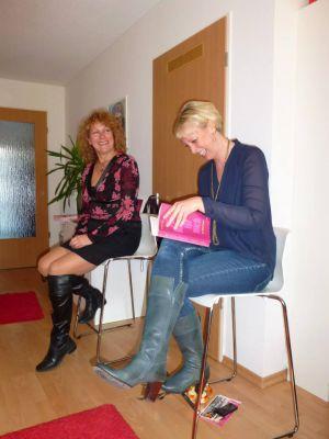 Frauenpower beim Netzwerktreffen in Bonn. Autorin Annette Meisl und Initiatorin Stephanie Jana (v.l.)