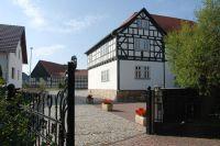 Eine seltene Ansicht der Bach-Mühle, in der sowohl Veit Bach, wie auch dessen Sohn Hans ihr Korn malten und dazu musizierten.
