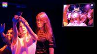 Selfie Wall, Handyfotos auf den Party-Beamer senden, Bild: unter Verwendung von Material von © djtrenerfotolia