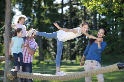 Der skywalk allgäu bietet sportliche Erlebnisse für die ganze Familie in idyllischer Umgebung.