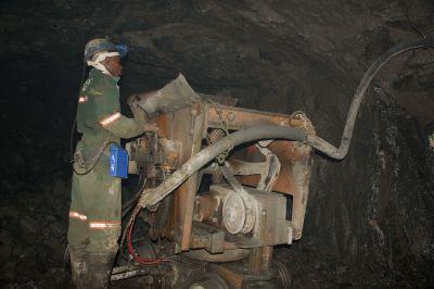 Untertageabbau auf der Blanket Mine in Simbabwe, Caledonia Mining
