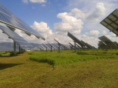 AREAM PV-Kraftwerk mit optimierter Energieerzeugung durch Nachführsystem