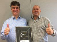Wolfgang Munz (CEO) und Stephan Unser (COO) von dataglobal freuen sich über die Auszeichnung.