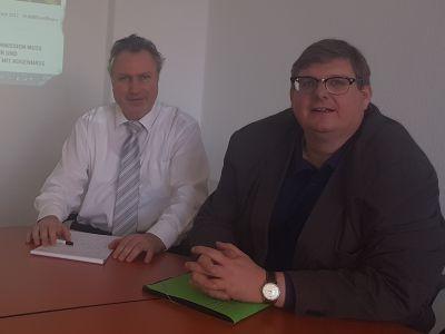 Foto: v.l.n.r.: Heinz Leymann (IfKom), Prof. Dr. Ralph Dreher (TVD)