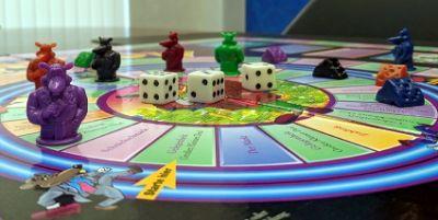 Das Cashflow-Spiel von Robert Kiyosaki zeigt anschaulich und leicht verständlich den Weg aus dem Hamsterrad.