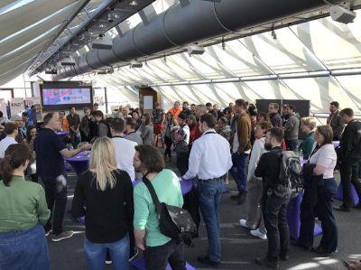 Auf der Coworking Konferenz diskutieren wieder über 100 Teilnehmer die Perspektiven des mobilen Arbeitens