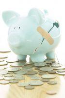 Das Firmensparschwein bleibt am Leben, wenn man sich um die Refinanzierung des neuen Hallendaches kümmert - Wierig Gruppe)