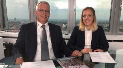 Führen die Interviews mit den Bewerbern: Martin Schmid und Anna Massow von eismann.