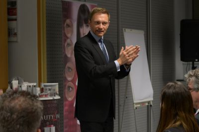 FDP-Chef Christian Lindner bei PM-International in Speyer Quelle: PM-International AG
