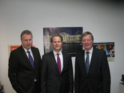 v.l.n.r.: Heinz Leymann (IfKom), Steffen Kanitz (MdB), Reinhard Genderka (IfKom)