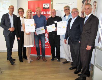 v.l.n.r.: Alexander Rabe (eco), Christine Regitz (GI), Preisträger, Thomas Sattelberger (MINT-Initiative), Andreas Hofert (IfKom)