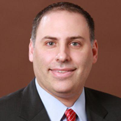 Fondsmanager Michael Schoenhaut managt den JPM Global Income Fund seit sechs Jahren und punktet mit regelmäßigen Ausschüttungen!