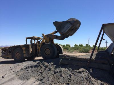 ERzbeladung in Brecheranlage bei Cyprium Mining