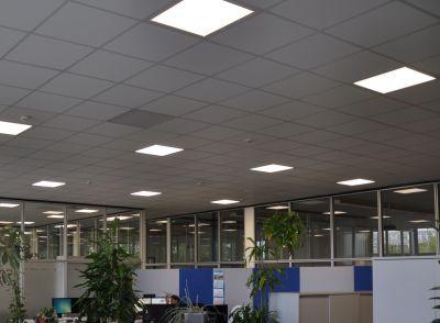 Einbauleuchten ECL-one von AS LED Lighting großräumig eingesetzt in Büros und Besprechungsräumen der BMK-Group Augsburg