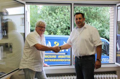 Gelungene Nachfolgeregelung für M&M: Helmut Mäurer (Verkäufer) und Heiko Krause (Käufer)