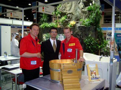 Will Top-Gründer werden: Stephan Lange (links) mit Partner Markus Noderer präsentiert deutsche Handwerksideen in Dubai