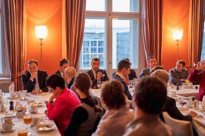 Parlamentarisches Frühstück zu Kryptowährungen